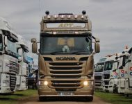 Scania R580 V8 Golden Griffin